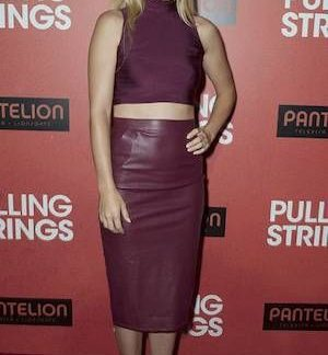 Laura Ramsey Skirt Styles