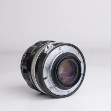 nikon nikkor 35mm f-2 lens review product photos-4
