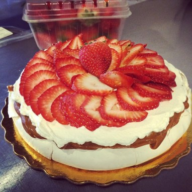 French Strawberry Pavlova