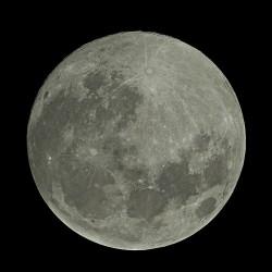 Luna. Foto de Cătălin Fus