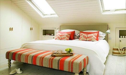 Dormitor cu tavan inclinat