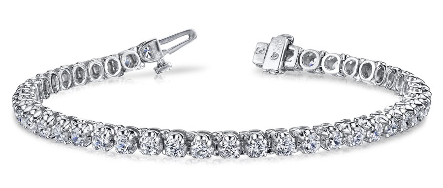 B128 Four Prong Diamond Bracelet