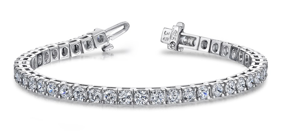 B131 Four prong diamond bracelet