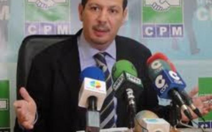 مصطفى أبرشان ابن مدينة الناظور يحتج على تزوير الإنتخابات بمليلية.
