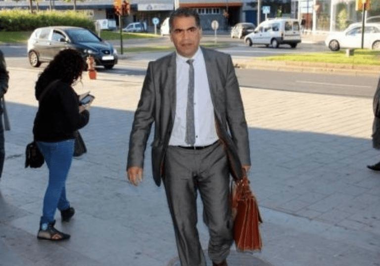 محامي من أصل مغربي يجر زعيم حزب سياسي إسباني إلى ردهات المحكمة.