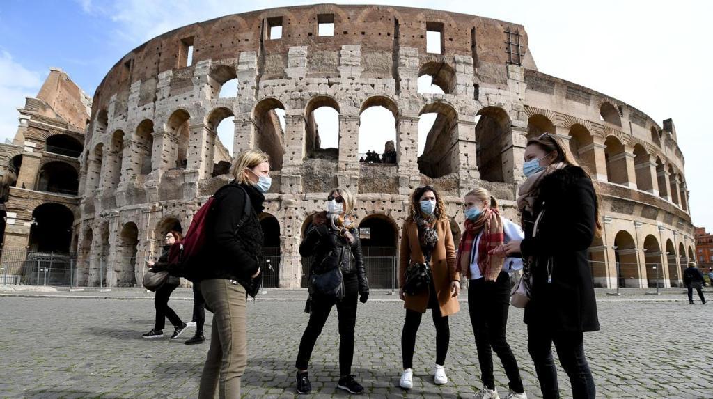 توقفالدراسة بالجامعات و المدارس في ايطاليا بعد ارتفاع عدد الوفيات بسبب فيروس كورونا
