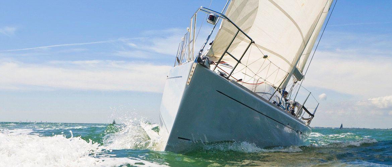 Girona catamaran charter y alquiler