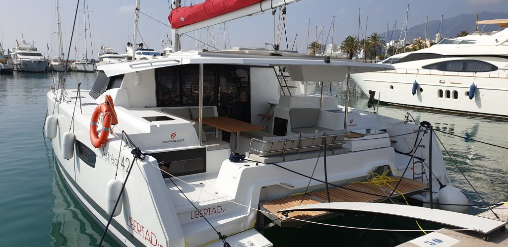 vista del catamaran desde popa
