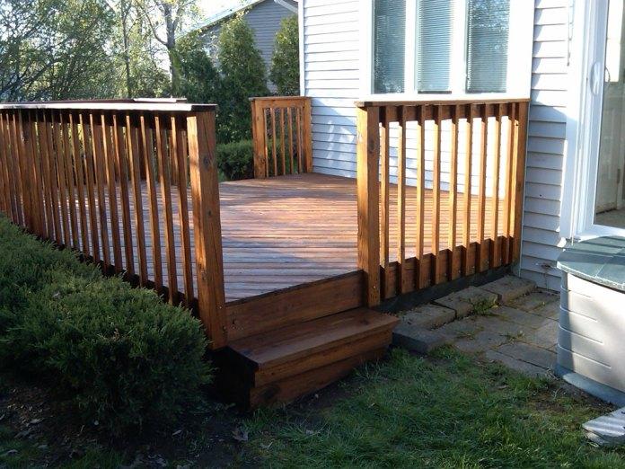 cat-kayu-untuk-Terrace railing