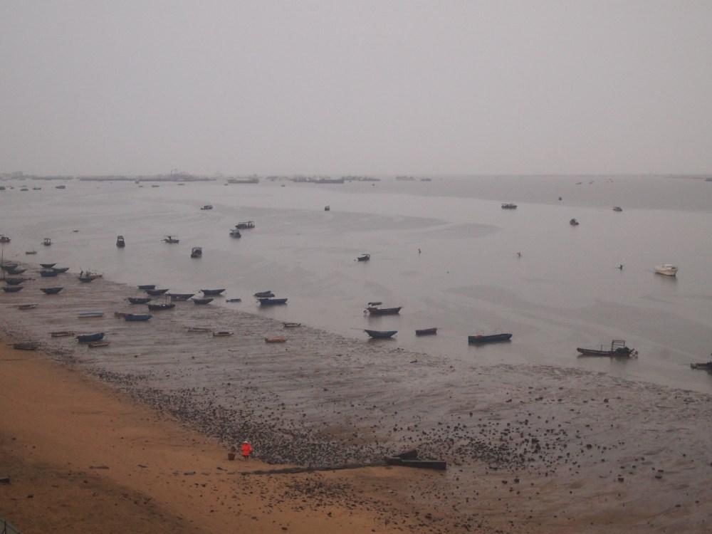 a foggy morning on beibu gulf, a ferry ride to weizhou island & a visit to saint maria church (2/6)