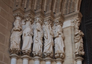 the other side of the Cathedral's portal, with the other stone apostles