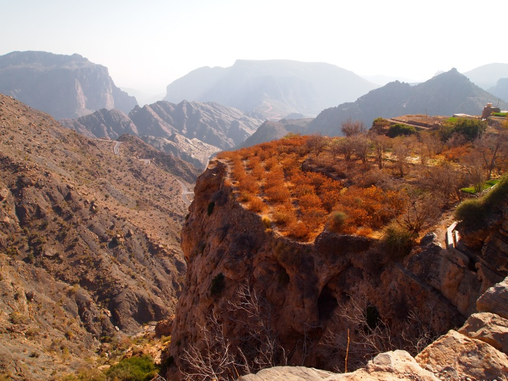 a hike around the hanging villages of wadi al ayn on jebel akhdar (5/6)