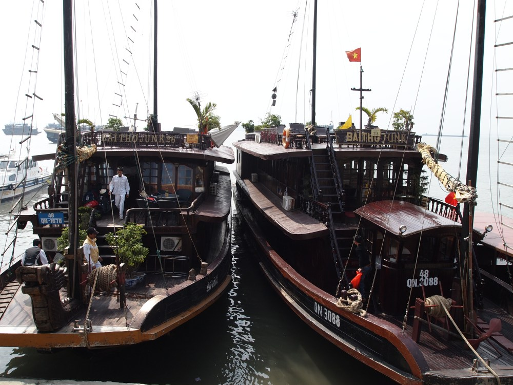 junkin' it on halong bay: the happiness cruise (1/6)