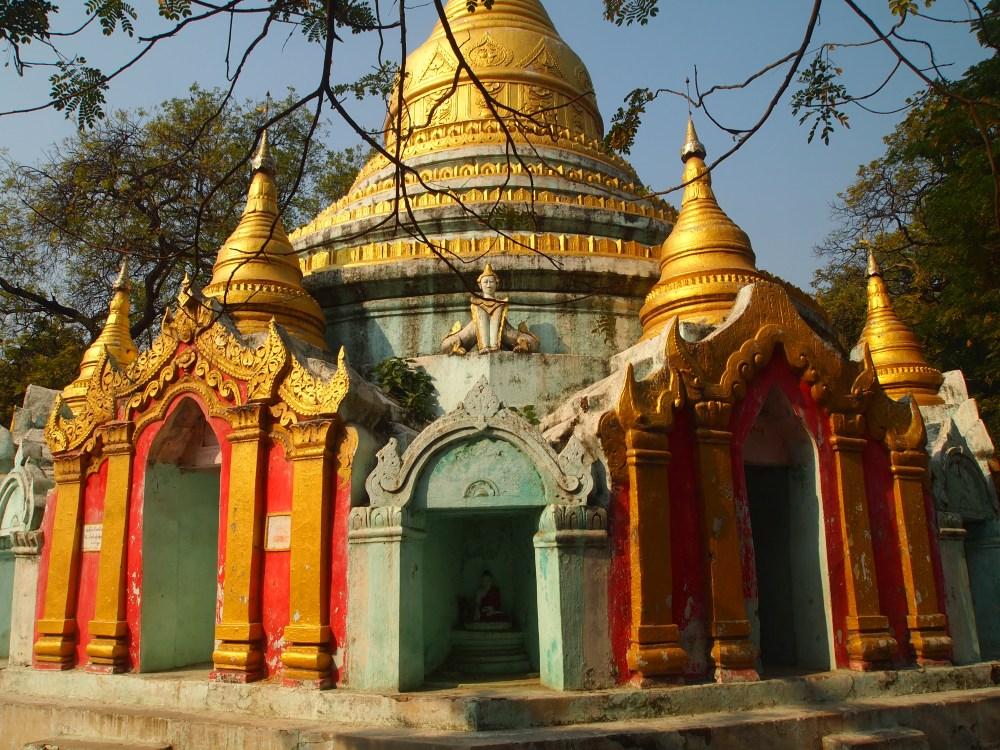 pagodas at amarapura & the monks at maha ganayon kyaung (6/6)