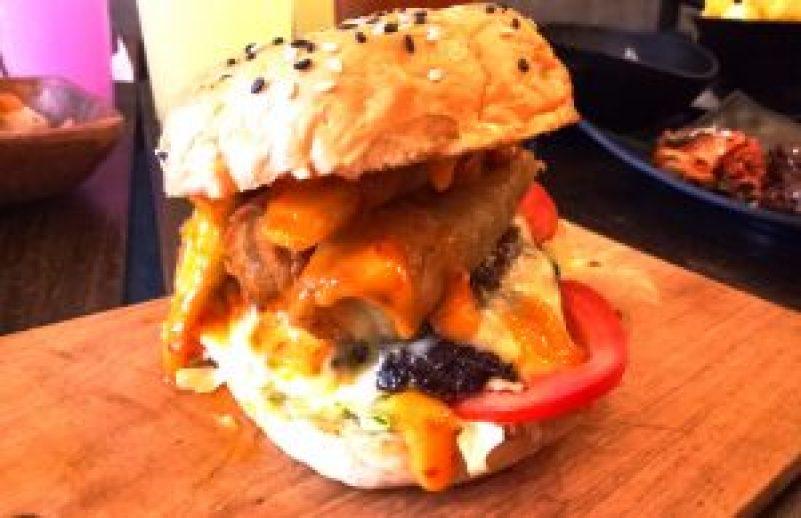 Communeaty Eats: Customized Burger