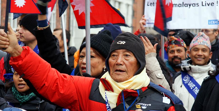 Min Bahadur Sherchan-oldest Everest summiter