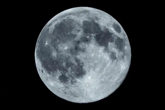 コンデジでもそれなりに月を撮る方法