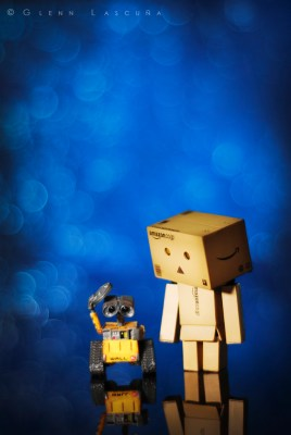 wall e and Danbo