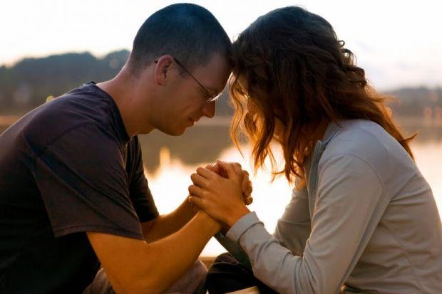 10 pasos para rezar en pareja