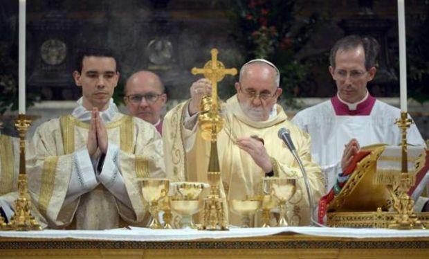 ¿Qué importancia tienen las vestimentas litúrgicas?