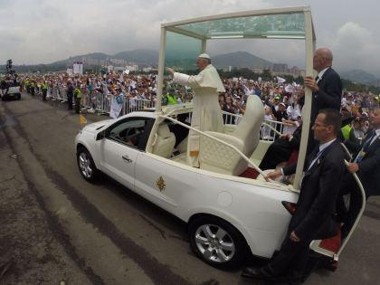 El Papa pide que se ponga fin a la violencia en Venezuela