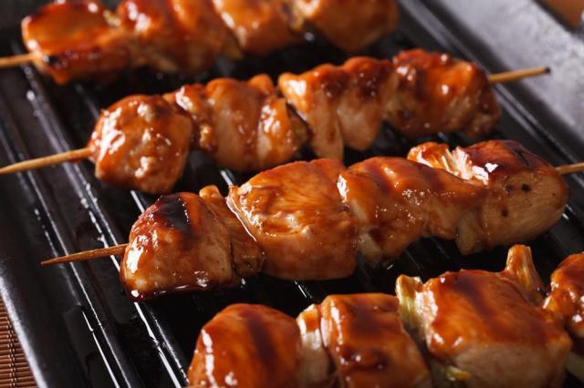 a-cucina-bruta-spiedini-di-pollo