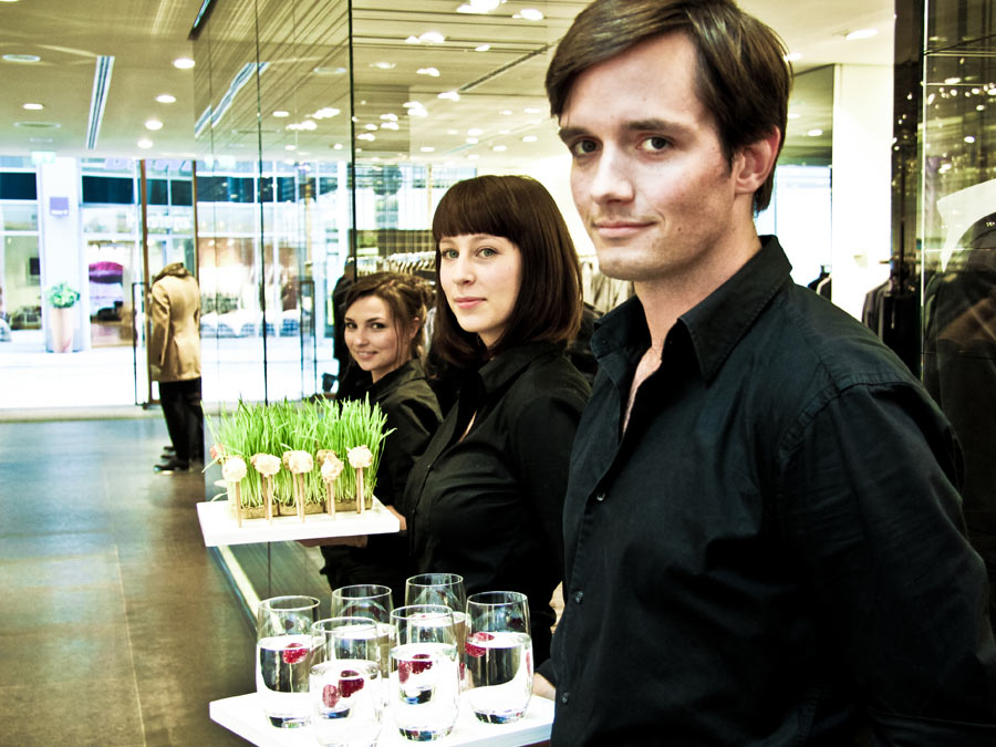 Flying Fingerfood zur Blue Hour im JOOP! Store, catered by CATERISTIC