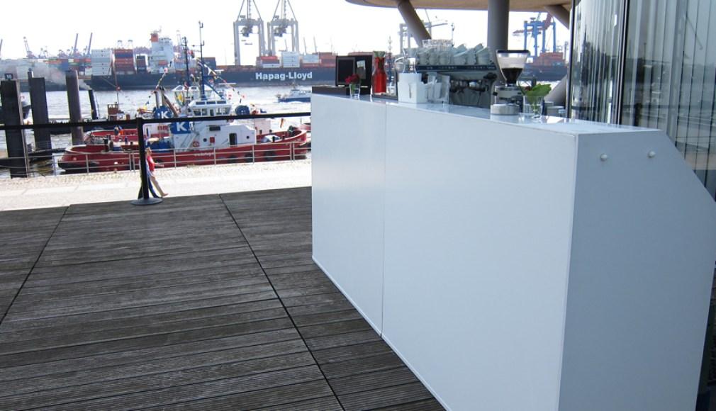 Die LUNABar im Hamburger Hafen.