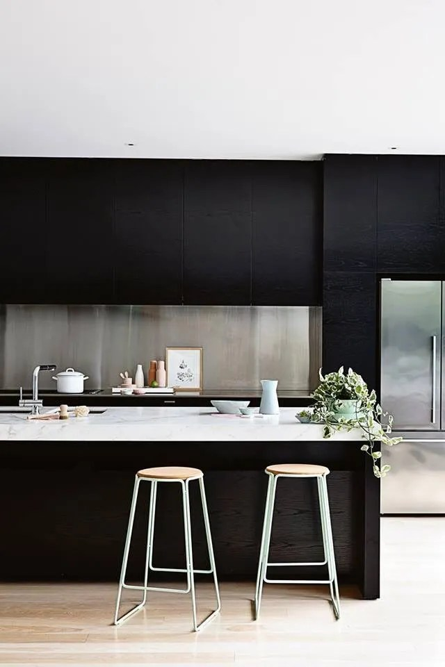 dark minimalist kitchen ideas