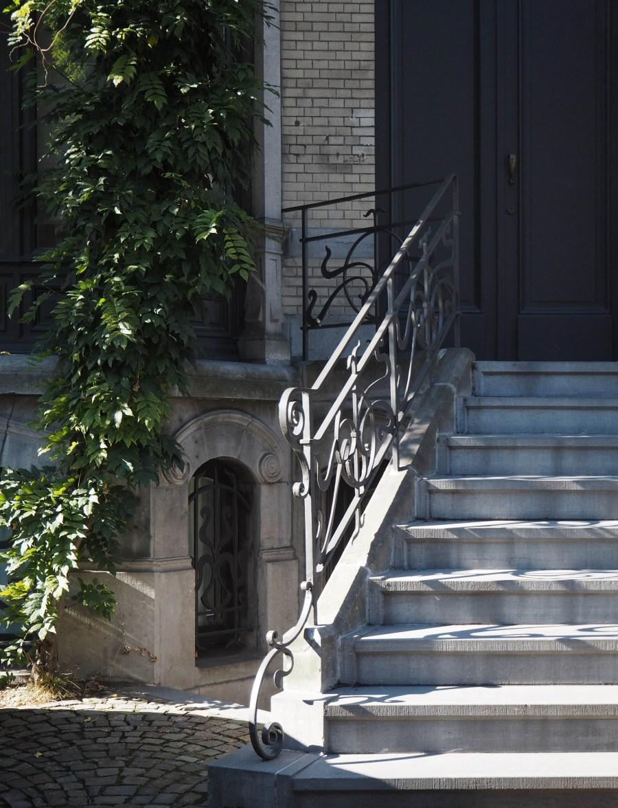 Grand entrance stairways on Cogels Osylei
