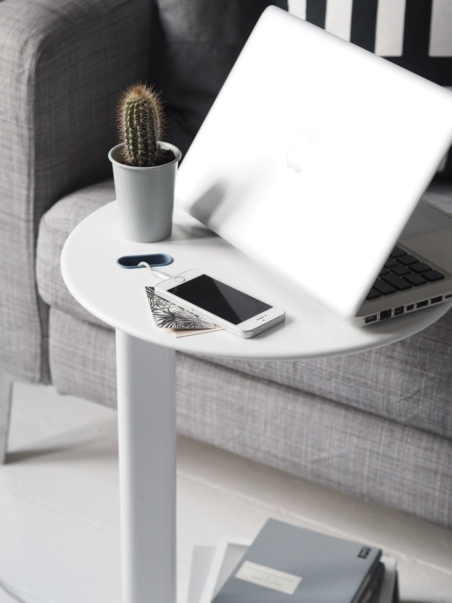 Tidying those wires and creating an uncluttered home with Calligaris