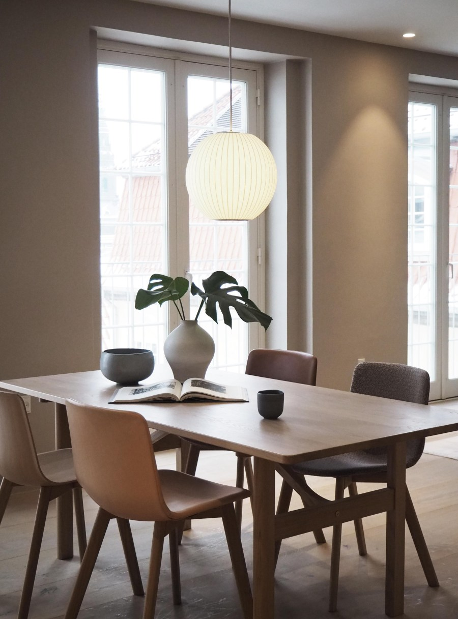 Fredericia's new rooftop showroom in Copenhagen - light spaces - minimal design - mid-century furniture design