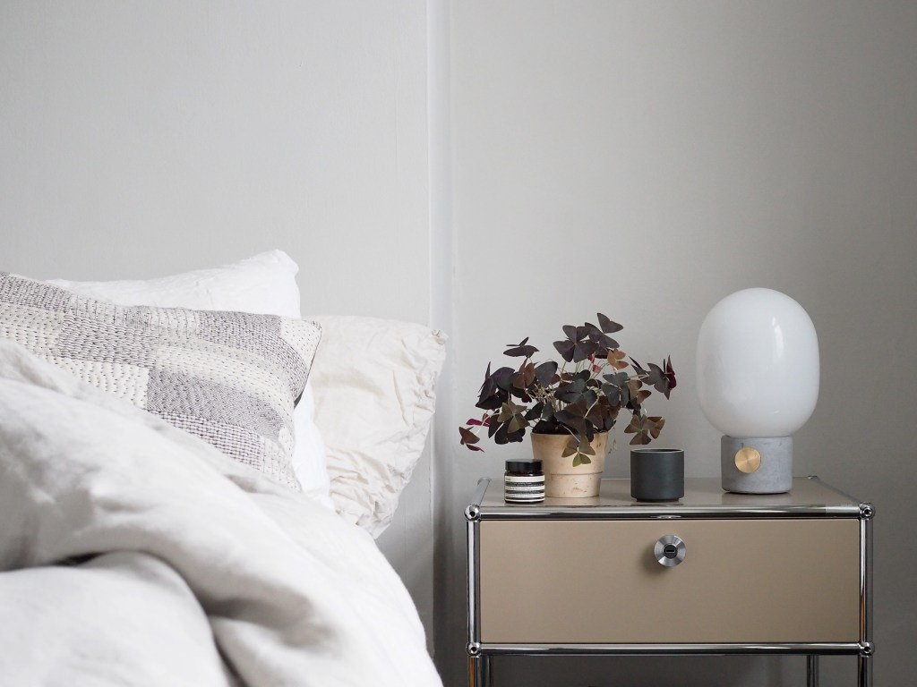 The modern, functional bedroom: a smart bedside table by USM [ad]