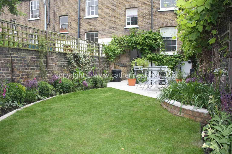 long-thin-terraced-garden-12