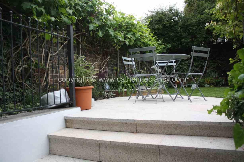 long-thin-terraced-garden-3