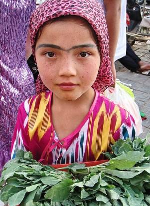 uzbek-girl-kashgar-xinjiang