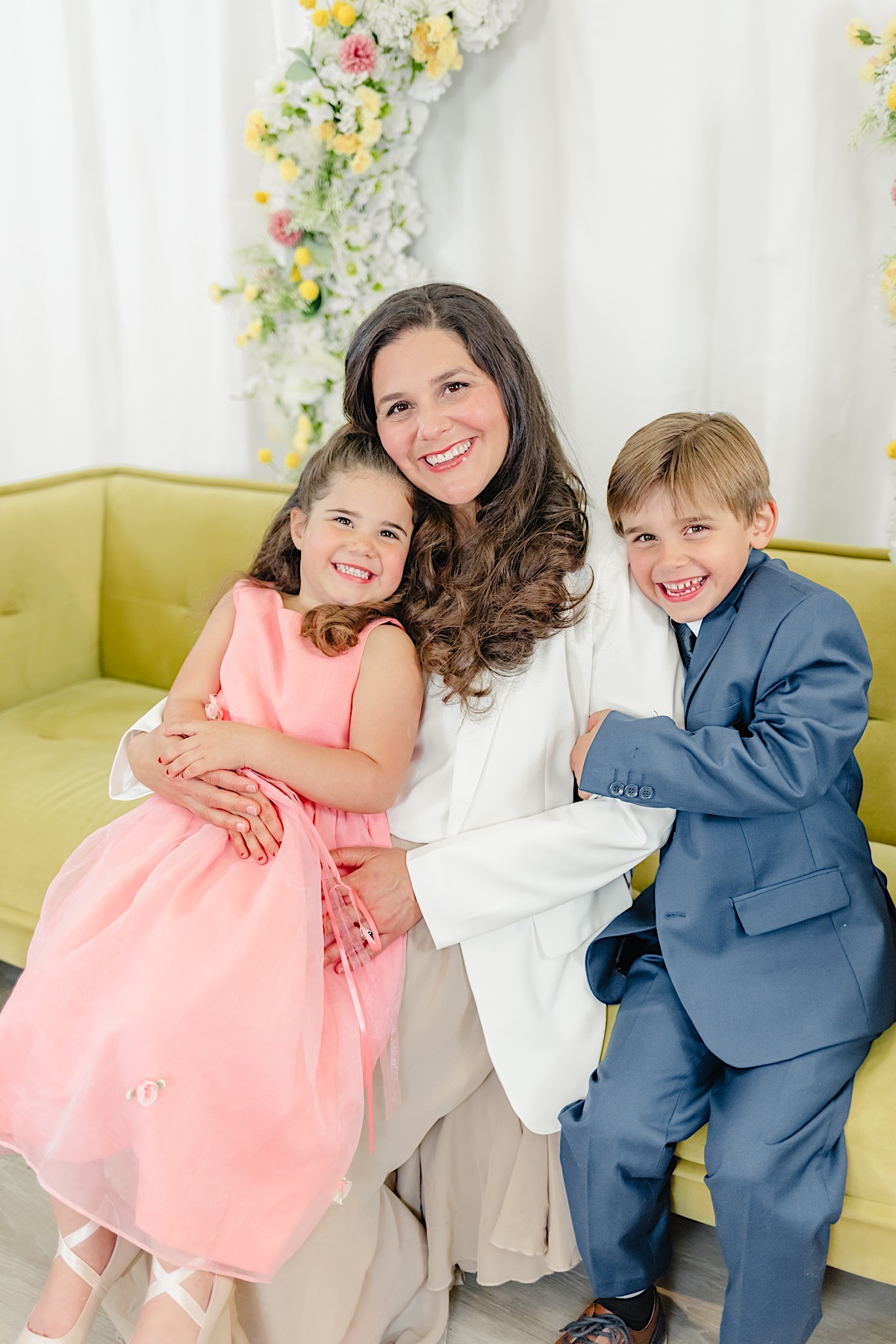 Spring Mother's Day Mini Sessions at the Mall at Fairfield Commons | Catherine Milliron Photography