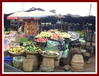 Igbo market with fruits and vegetables