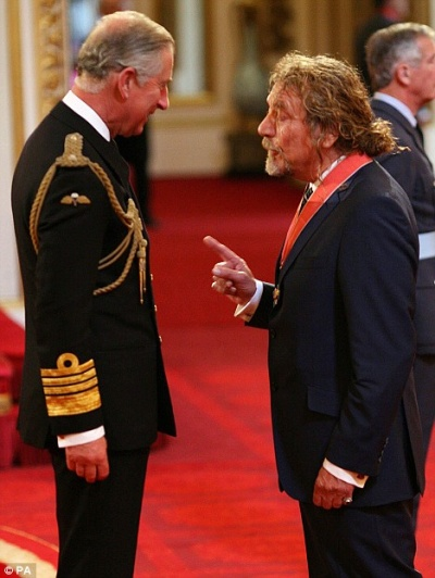 Robert Plant receives Commander of the British Empire Honor (1/3)