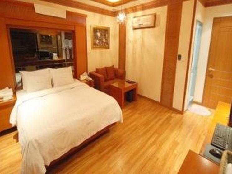 Hotel Lust