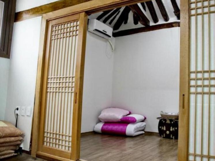 Lili Hanok Guesthouse