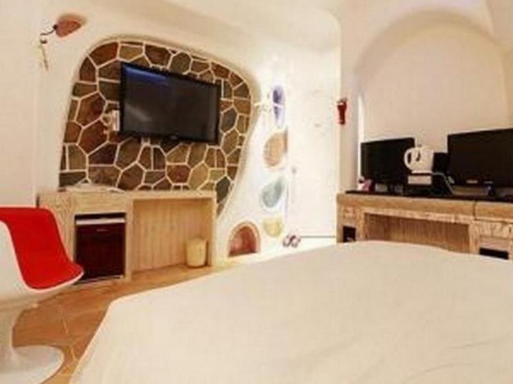 M Castle Hotel