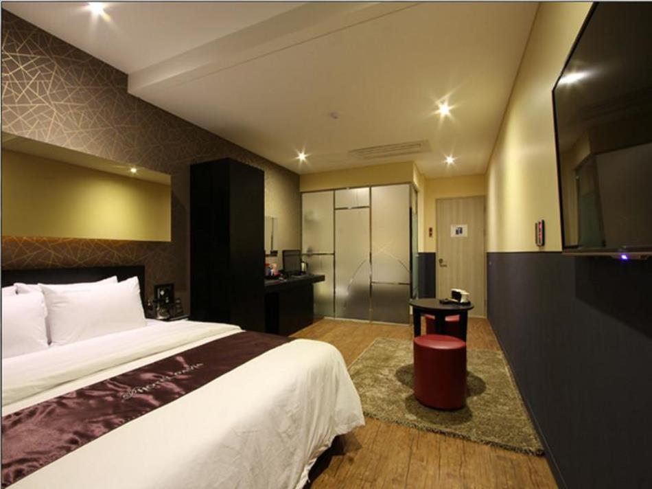 Pavia Tourist Hotel