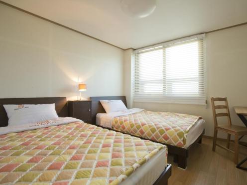 Stay in GAM Hostel