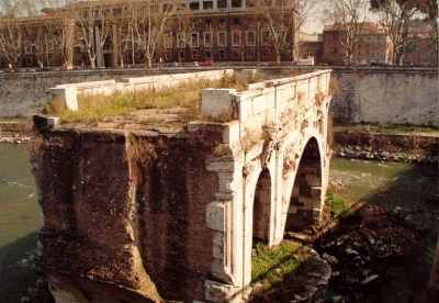 Ancient Rome Pictures: Tiber River, Island, Bridges