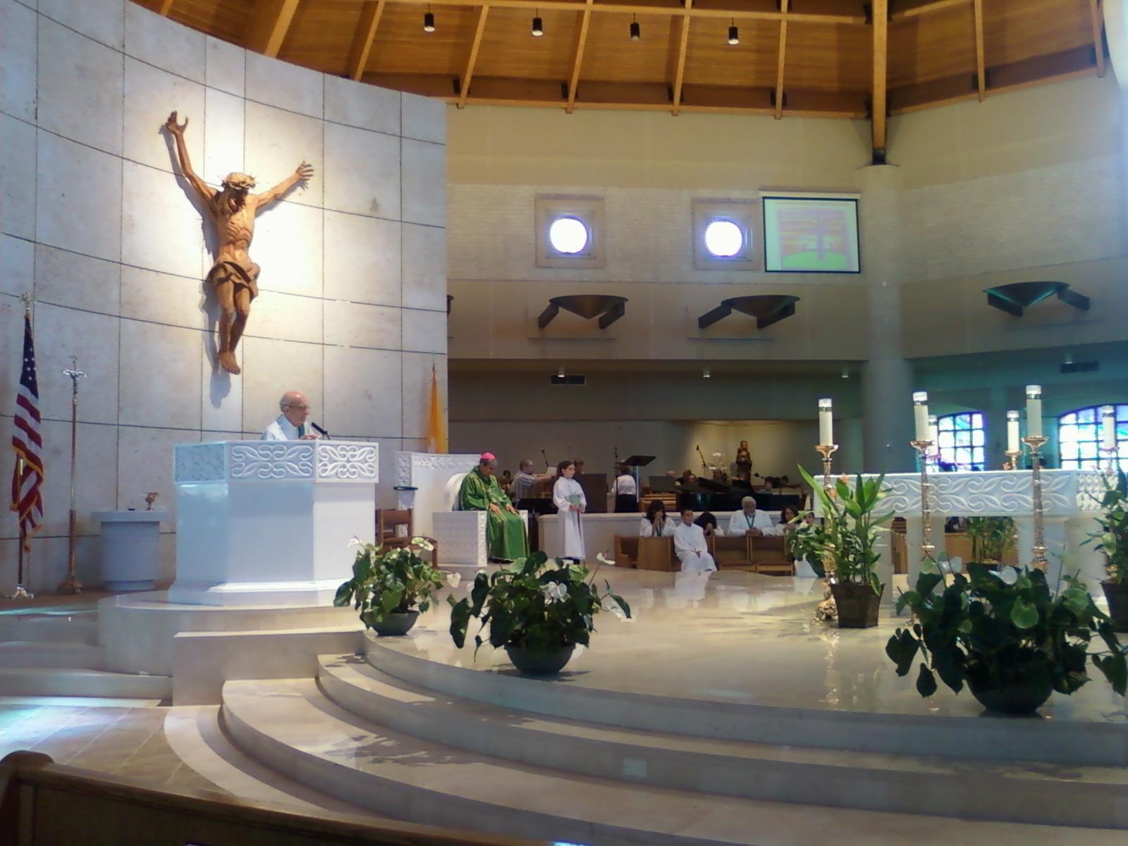 090830-1207_Brooklyn-Auxiliary-Bishop-Octavio-Cisneros-at-St-Mark-Parish