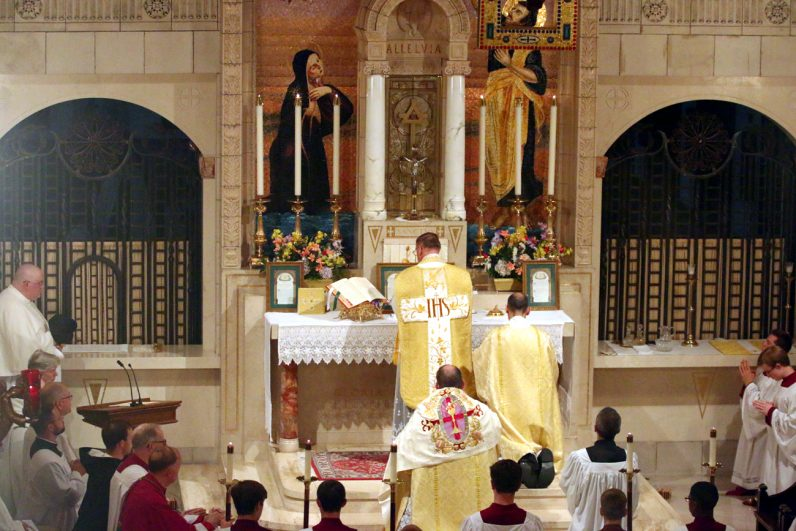 Philadelphia Carmelites Welcome 10 New Nuns To Monastery