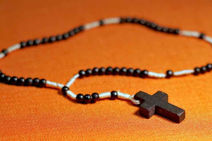 beads catholicism cross faith