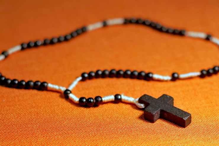 beads catholicism cross faith