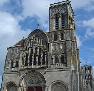 [Basilique à Vézelay]
